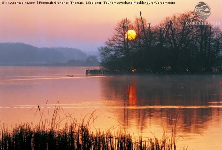 Mecklenburg_Sonnenuntergang am Tollensesee.jpg