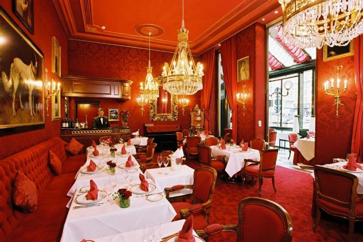 Sacher_Restaurant Rote Bar.jpg