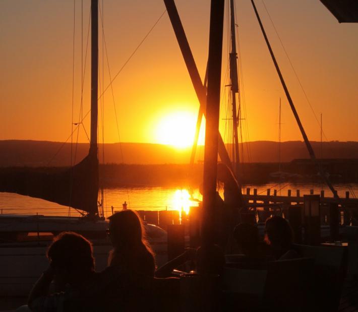 Sonnenuntergang in der Mole West