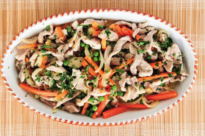 Geschnetzeltes Schweinefleisch mit Gemüse
