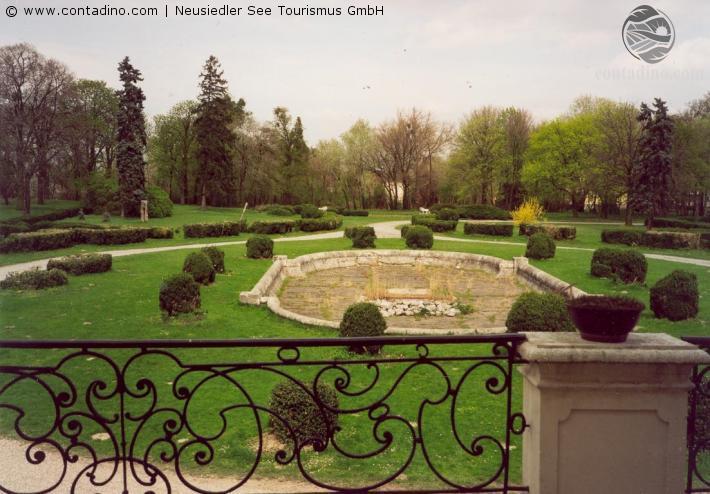 Kittsee_Schloss-Garten1.jpg