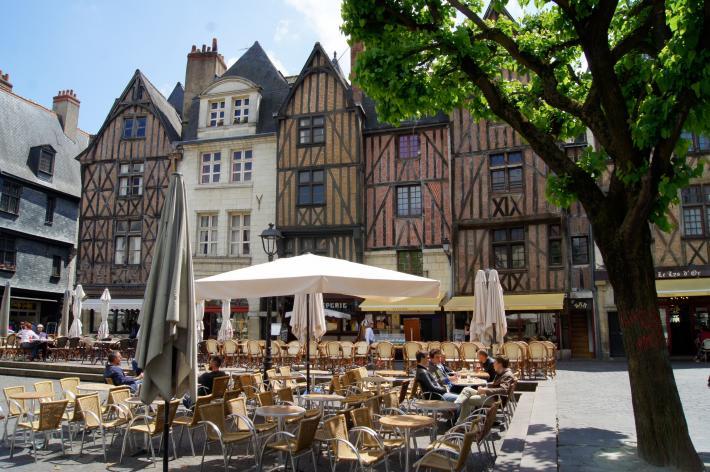 Place Plumereau à Tours CRT Centre-Val de Loire - V. Treney.jpg