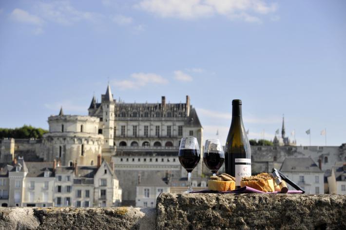 Vin et charcuterie de Touraine CRT Centre-Val de Loire - T. Martrou.jpg