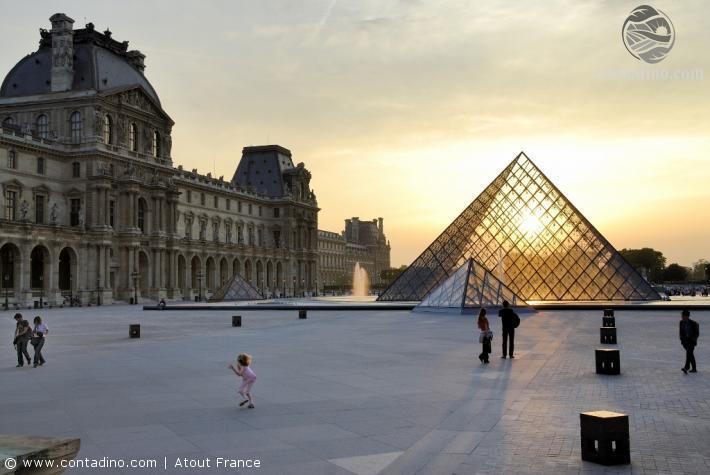 Louvre Pyramide