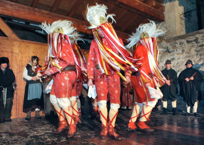 Auftritt der traditionellen Tresterer
