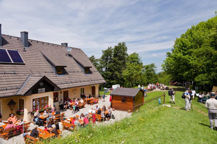 Wienerwald_Schöpfl Schutzhaus1_Wienerwald Tourismus GmbH_A.Lindenthal.png