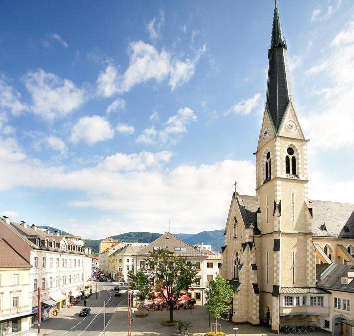 Nikolaiplatz mit Nikolaikirche