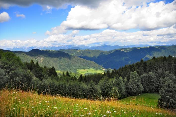 Slowenien_View from Vojsko, Idrija.JPG