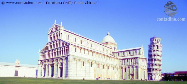Schiefer Turn und Dom von Pisa