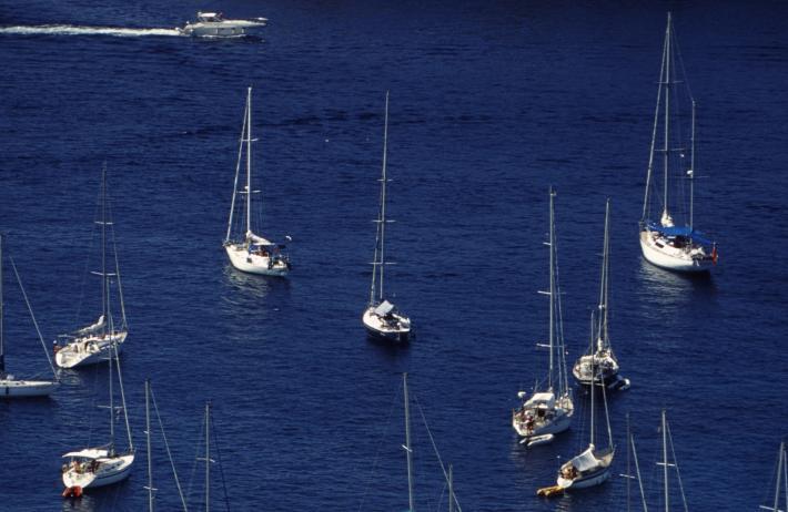 Der Hafen von Hvar gehört zu den schönsten an der kroatischen Küste