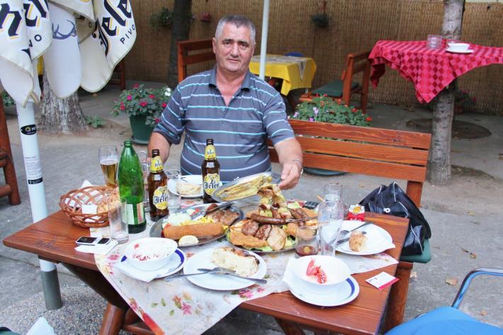 Opulentes Picknick Serbien