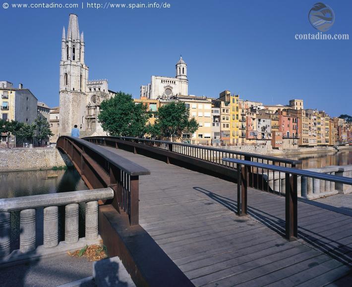 spanien_katalonien-gerona-bruecke-ueber-den-fluss-onyar.jpg